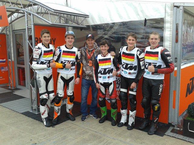 Unsere Jungs mit Colin Edwards (2-facher Superbike Weltmeister)