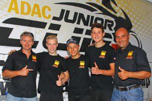 Die Champions.... Jan-Ole -P2, Mate -P1, Marco - P3 mit KTM Verantwortlichen H. Gahleitner (li) und H. Bernecker, Cup Organisator vom ADAC